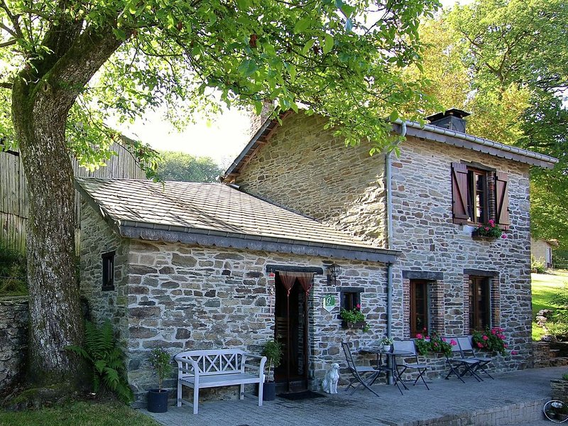 Attractive Cottage in Baillamont with Terrace, holiday rental in Alle