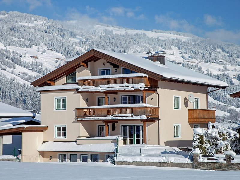 Holiday apartment within walking distance of the ski lift and Westendorf, holiday rental in Westendorf