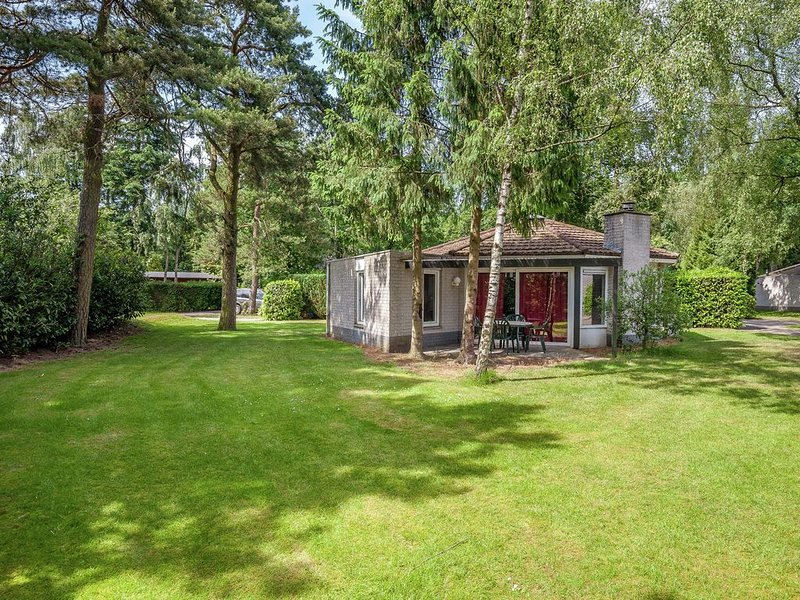Comfortable bungalow in the middle of nature near Harderwijk, holiday rental in Harderwijk
