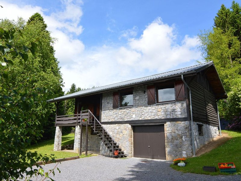 Pretty cottage Ardennes near the Valley of the Lesse and Semois, vacation rental in Bourseigne-Vieille