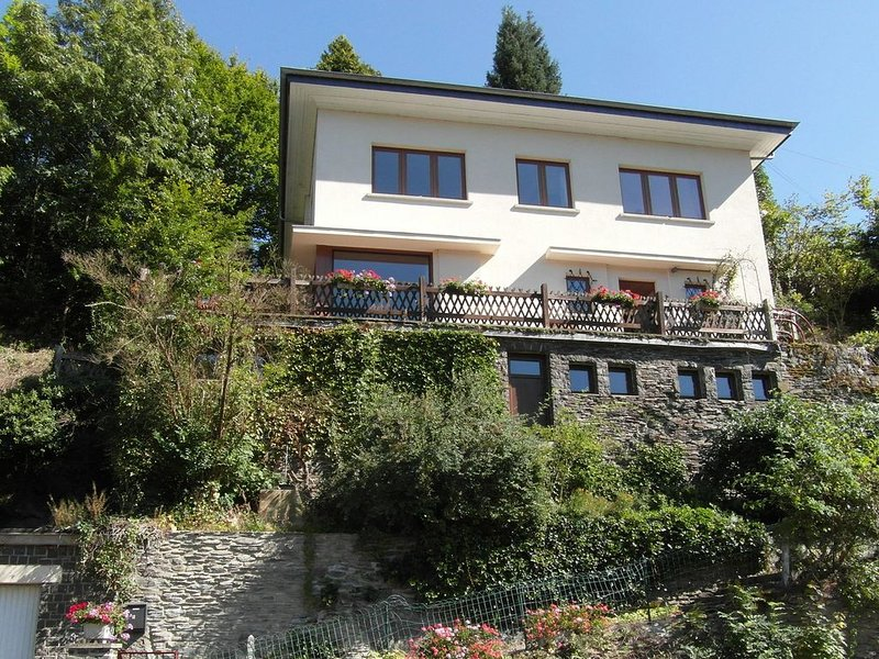 Peaceful Child-friendly Holiday Home in La Roche-en-Ardenne, vacation rental in La Roche-en-Ardenne
