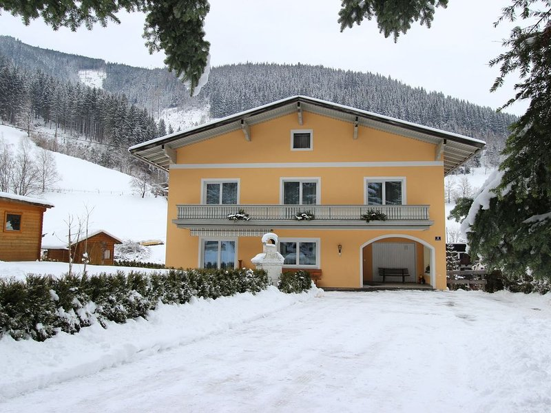 Luxurious Chalet in Zell am See with Sauna, holiday rental in Zell am See