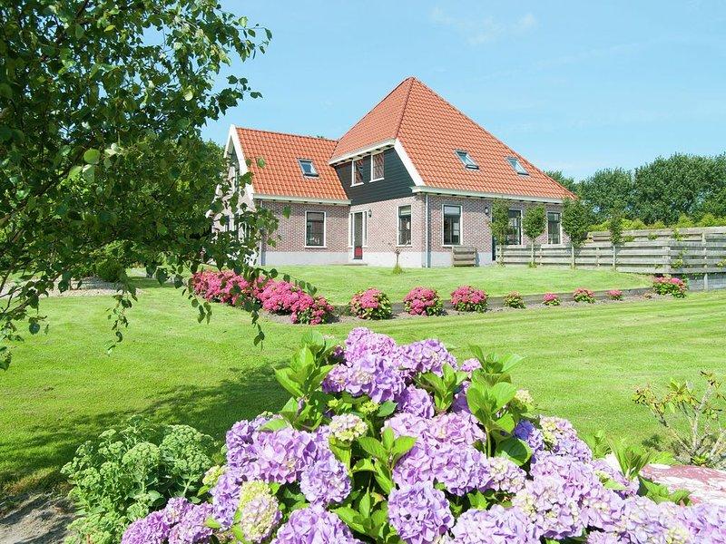 Beautiful holiday home in Schagerbrug, vacation rental in Schagerbrug