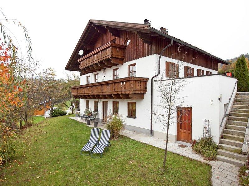 Inviting Apartment with Terrace, Garden, Barbecue, Deckchair, aluguéis de temporada em Fuersteneck
