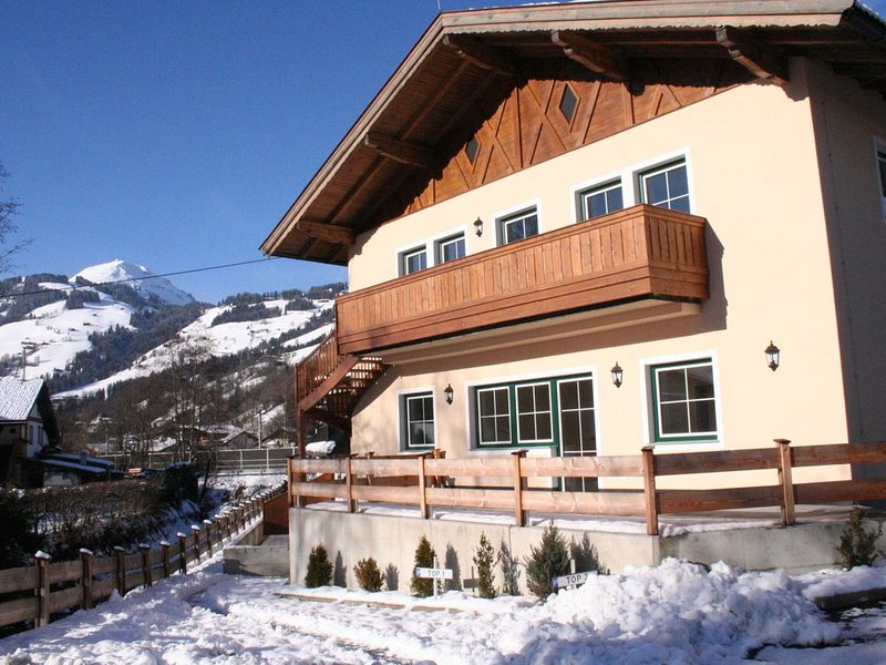 New, modern holiday home near the largest ski area in Austria!, alquiler vacacional en Brixen im Thale