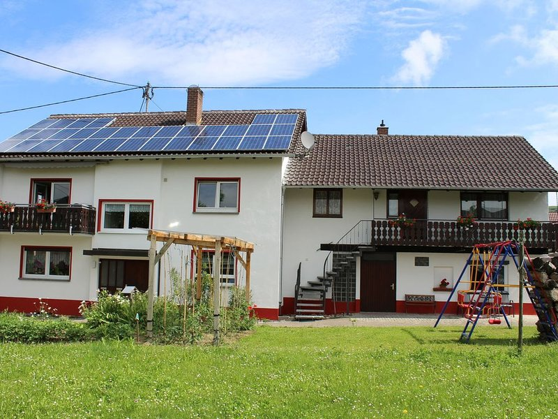 4-pers. appartment with view toward Rehgebirge, holiday rental in Bickensohl