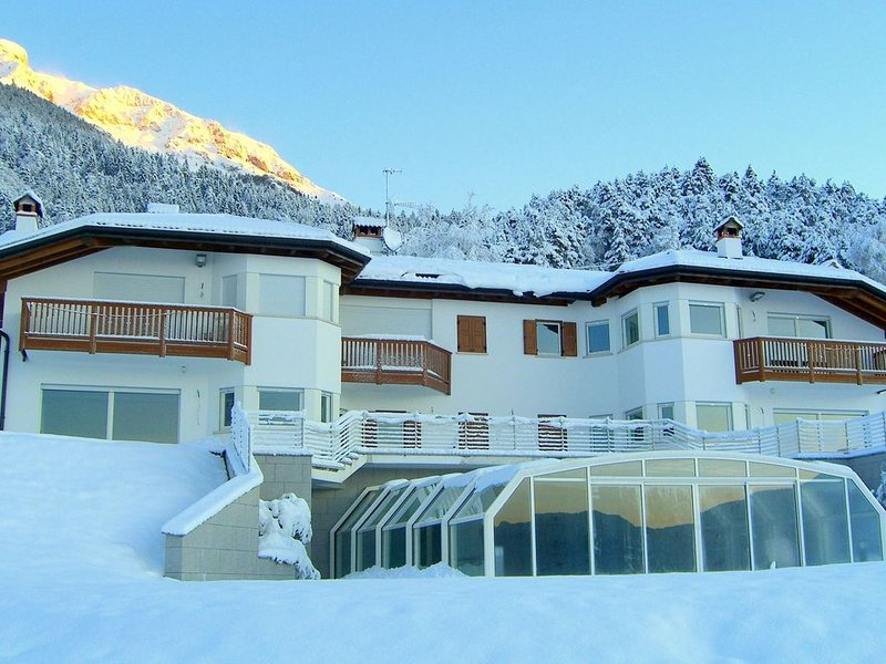 Apartment is located in a villa 700m above sea level., location de vacances à Terme di Comano