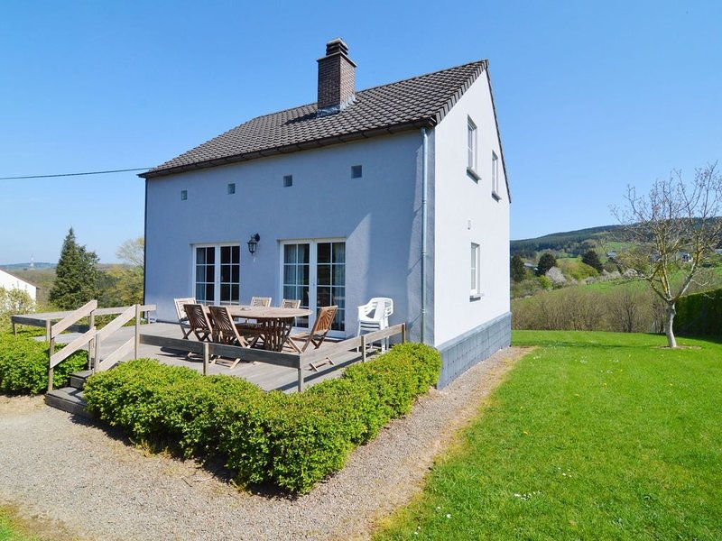 Lovely Holiday Home in Ardennes Luxembourg with Garden, vacation rental in La Roche-en-Ardenne