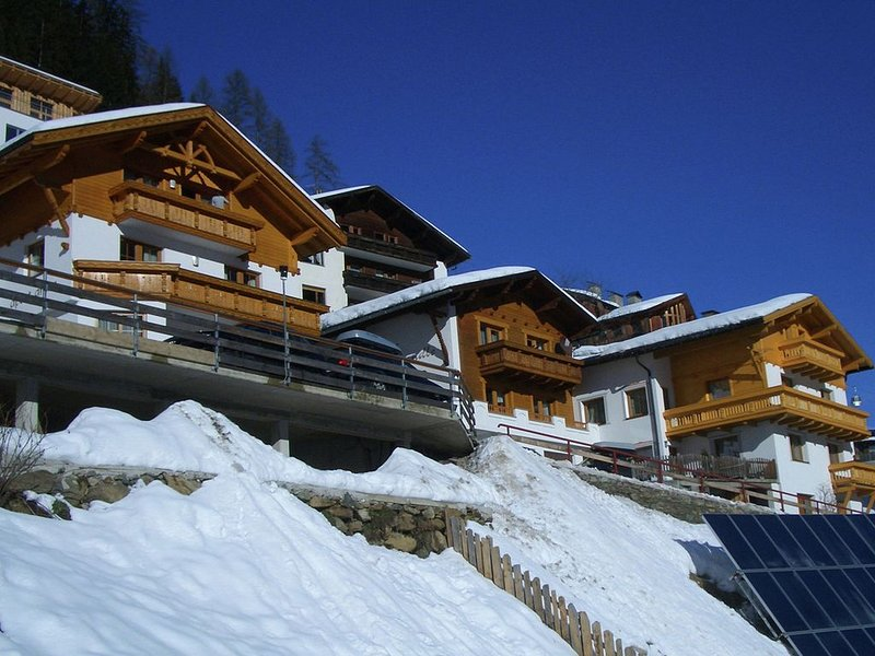 Good standard, centrally located house, 300 m. from Kappl., vacation rental in Ischgl