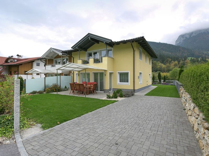 Modern holiday home is beside Austria's largest ski-area., vacation rental in Itter