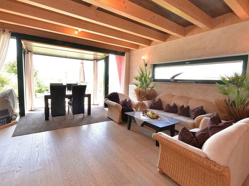 A unique holiday villa with its own wellness centre., holiday rental in Lower Bavaria