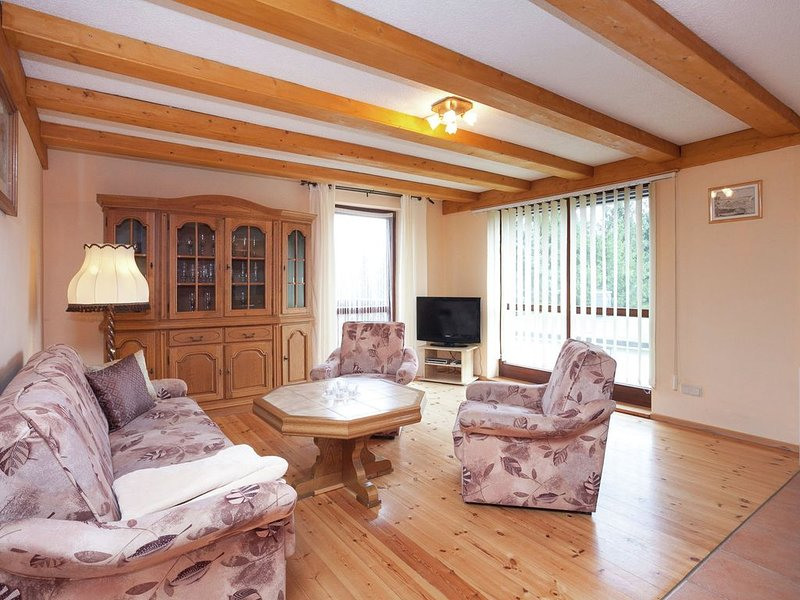 A detached holiday home with views of Lake Bergsee., vacation rental in Hayn