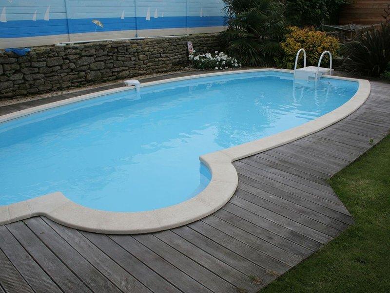 Traditional Holiday Home in Plomeur with Swimming Pool, alquiler de vacaciones en Guilvinec