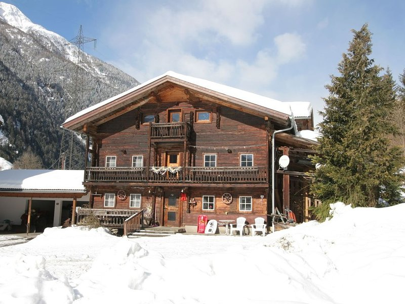 A child-friendly, family house in a quiet, sunny location., alquiler de vacaciones en Kals am Grossglockner