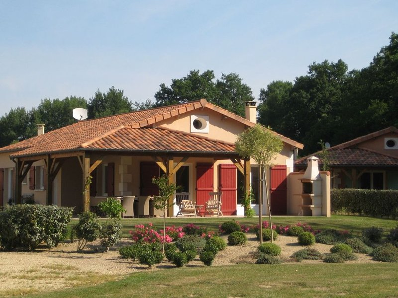 Modern villa with fire place, in the beautyful Loire region, alquiler de vacaciones en Lusignan