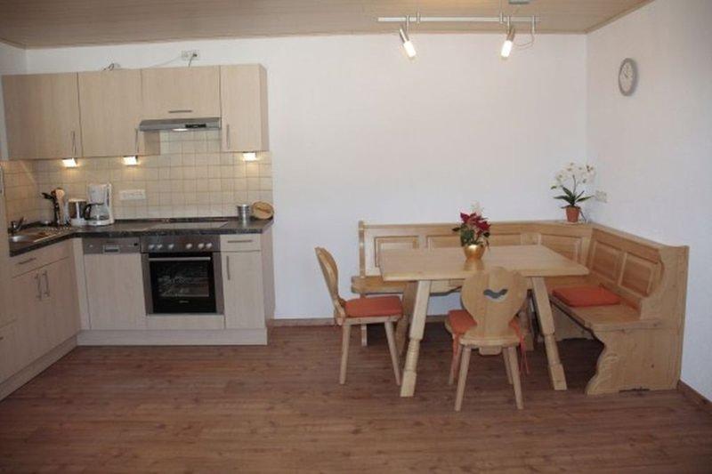 Ferienwohnung Sonnenblick mit ca. 54qm, 1 Schlafzimmer, für maximal 3 Personen, location de vacances à Schonach