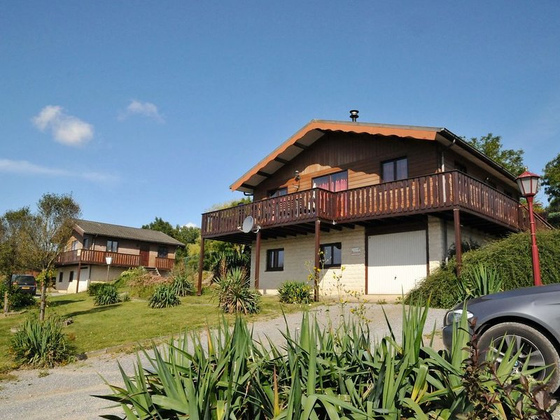 Beautifully furnished chalet with sauna., holiday rental in Les Avins