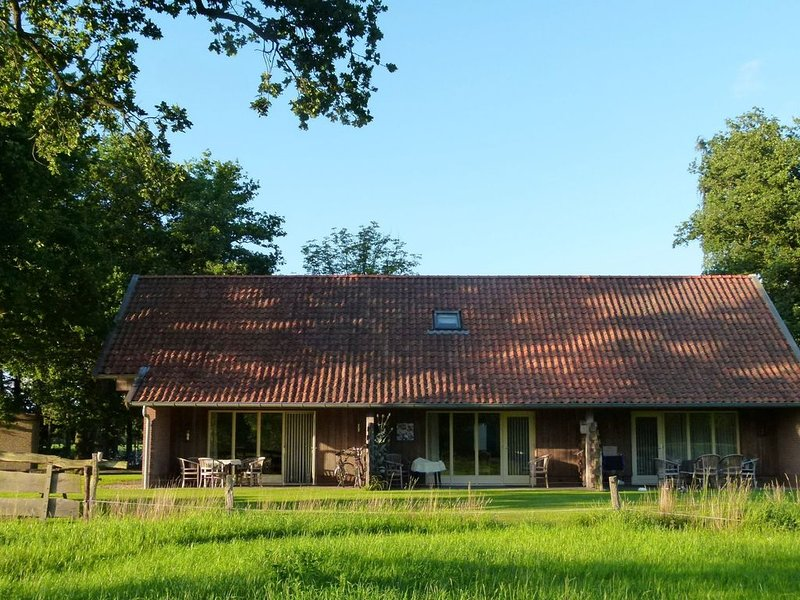 Holiday Home in Geesteren with Roof Terrace,Garden Furniture, holiday rental in Oldenzaal