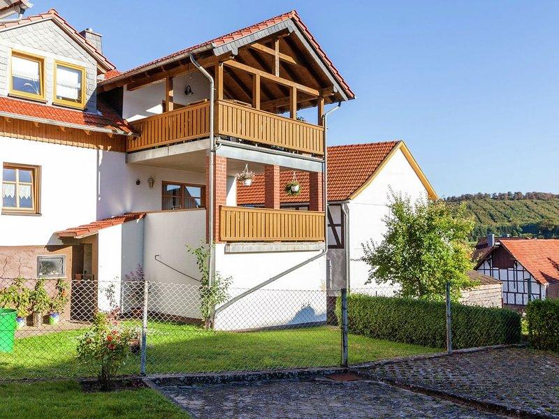 Apartment in the Kellerwald National Park, with balcony and easy access to a ho, aluguéis de temporada em Gilserberg