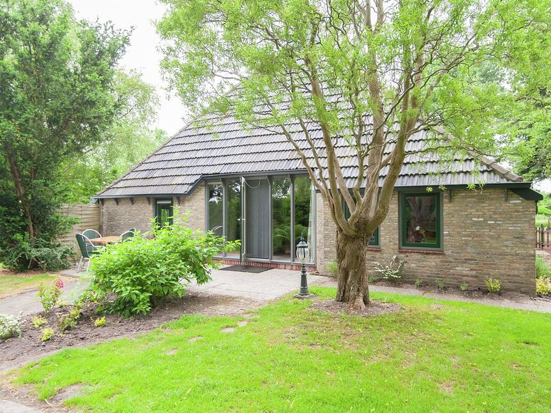 Beautiful  self-contained farm in the east of Friesland, location de vacances à Lettelbert