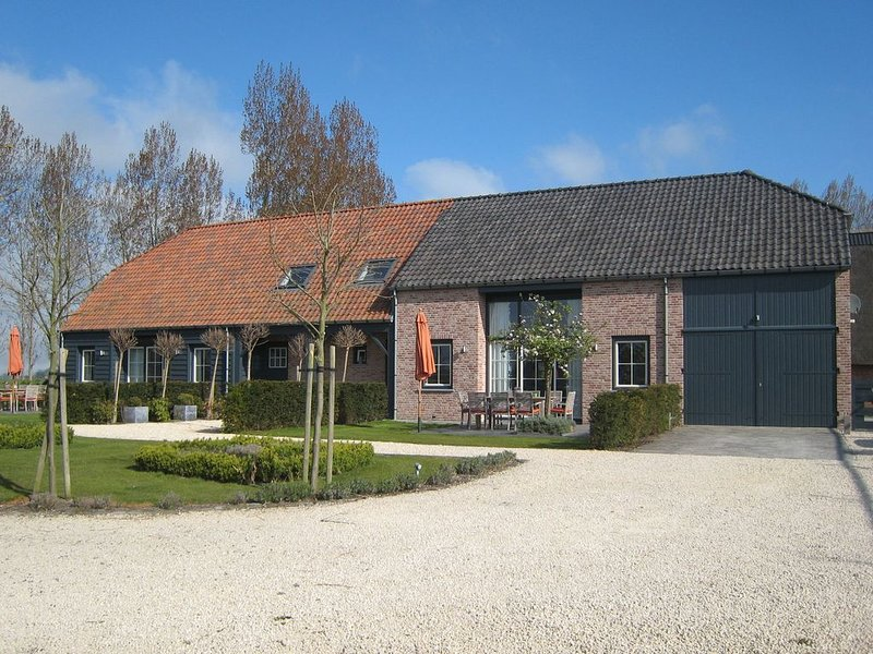 Classy Holiday Home in  Zuidzande with Sauna, vacation rental in Oostburg