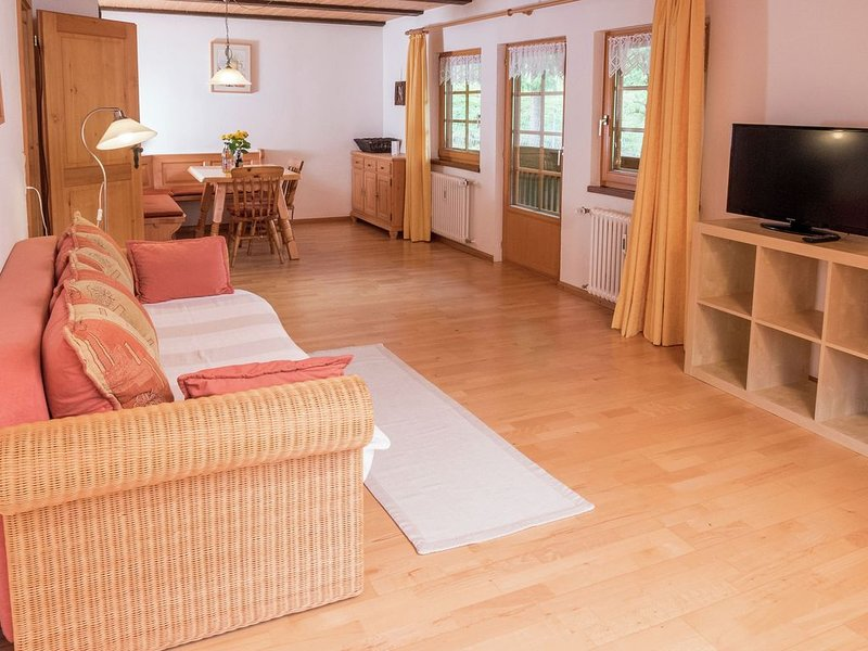 Spacious 5-pers. appartment in lovely Dreisamtal, holiday rental in Sankt Margen