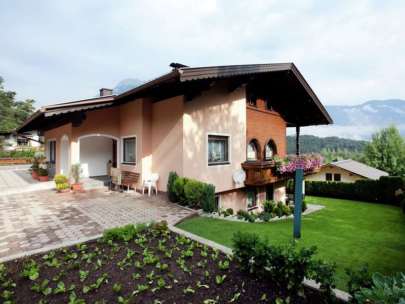Vacation property with tasteful and cosy décor., holiday rental in Arzl im Pitztal