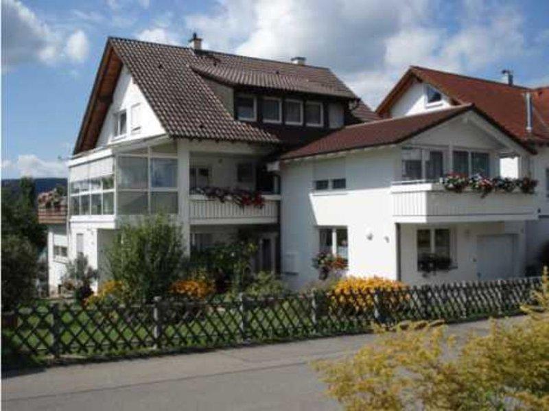 Ferienwohnung mit ca. 50 qm, 1 Schlafzimmer, für maximal 2 Personen, alquiler vacacional en Radolfzell am Bodensee