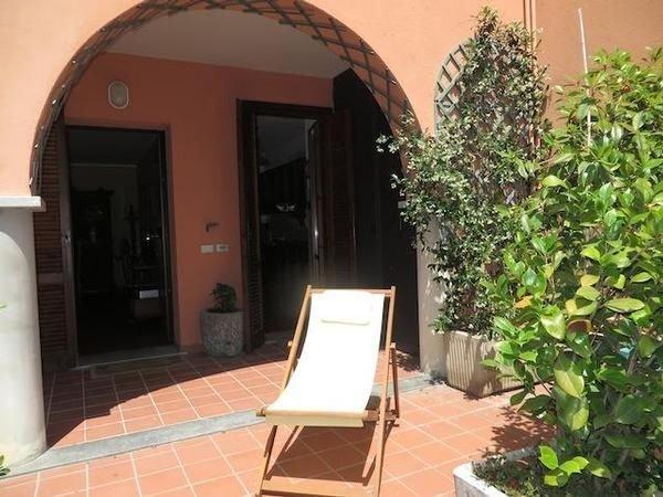 Ferienwohnung Stresa für 1 - 4 Personen mit 2 Schlafzimmern - Ferienwohnung, vacation rental in Vezzo