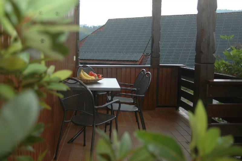 Ferienwohnung A, 85qm, 2 Schlafzimmer, max. 4 Personen, aluguéis de temporada em Oberharmersbach