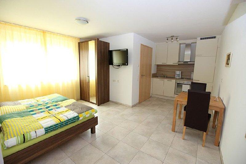 Apartment 2, 28 sqm, 1 living / bedroom, max. 2 persons living room / bedroom apartment 2