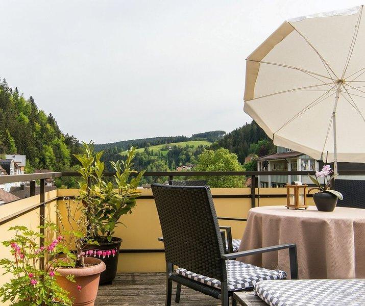 Ferienwohnung, 65qm, 2 Schlafzimmer, max. 4 Personen, aluguéis de temporada em St. Georgen im Schwarzwald