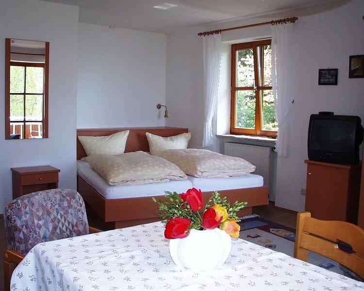 Ferienwohnung 1 mit ca. 30qm, 1 Wohn-/Schlafzimmer, für maximal 2 Personen, holiday rental in Wasserburg