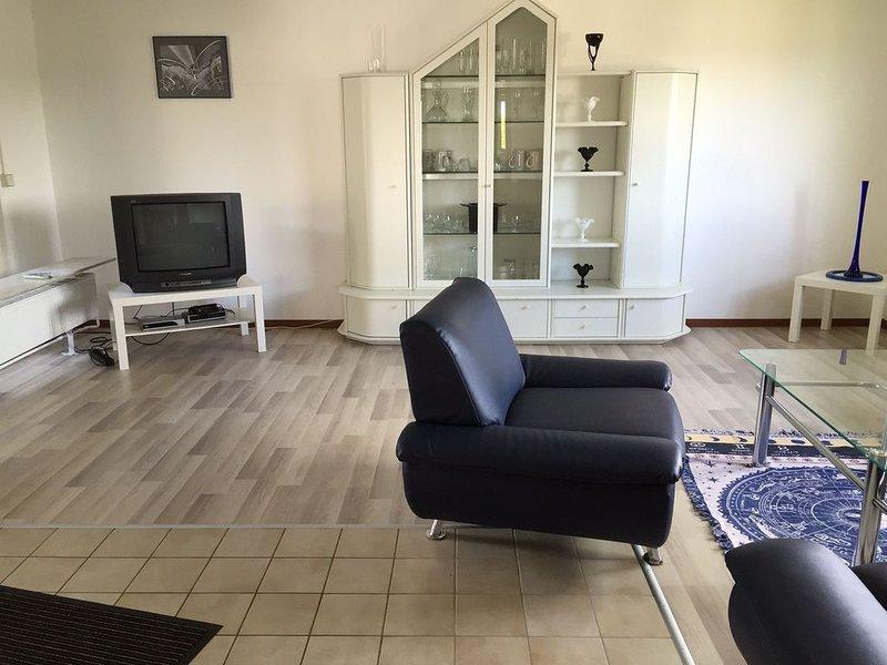 Ferienbungalow Rauschbartblick, 130qm mit 3 Schlafzimmer für max. 6 Personen, aluguéis de temporada em Waldachtal