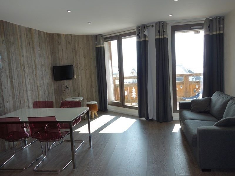 ALPE D'HUEZ FLAT TOP STATION, vacation rental in La Garde