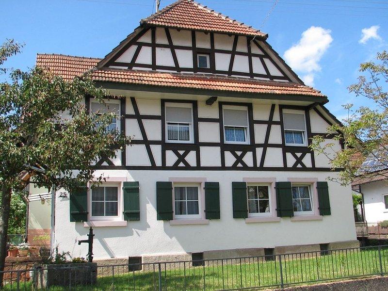 Ferienwohnung, mit ca. 65qm, 1 Schlafraum, 1 Wohn-/Schlafraum, für max. 4 Perso, holiday rental in Friesenheim