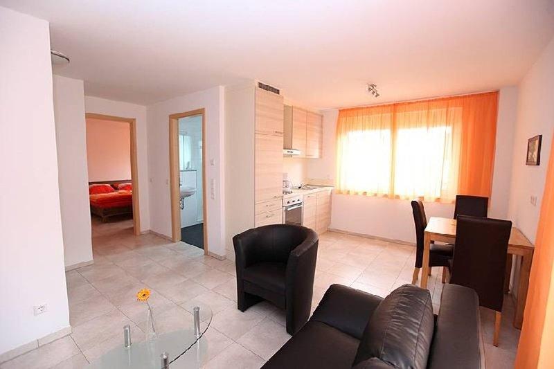Ferienwohnung 5, 45qm, 1 Schlafzimmer, max. 2 Personen, Ferienwohnung in Nürtingen