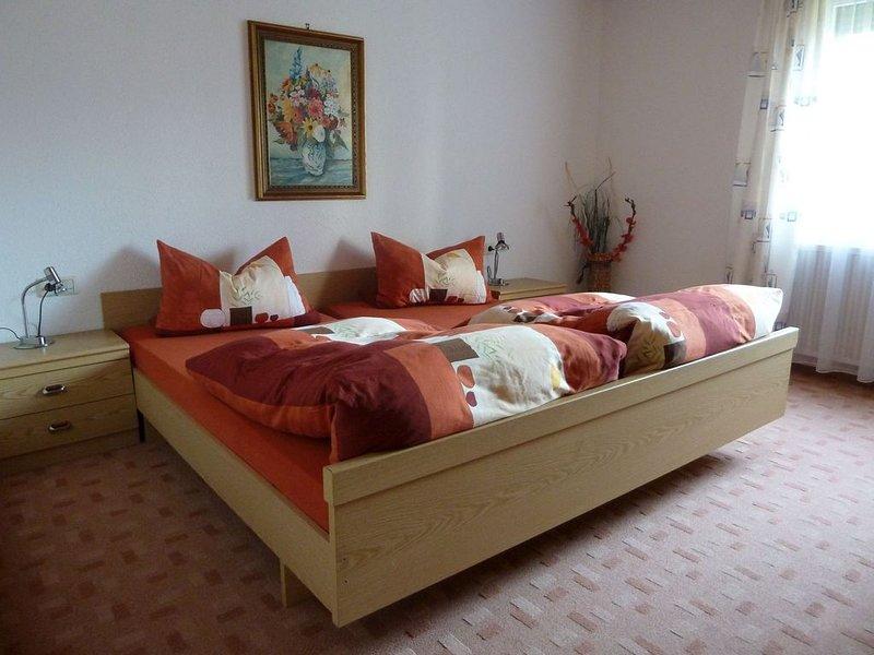 Ferienwohnung 2 mit 65 qm, 1 Schlafzimmer, max. 4 Personen, holiday rental in Wasserburg