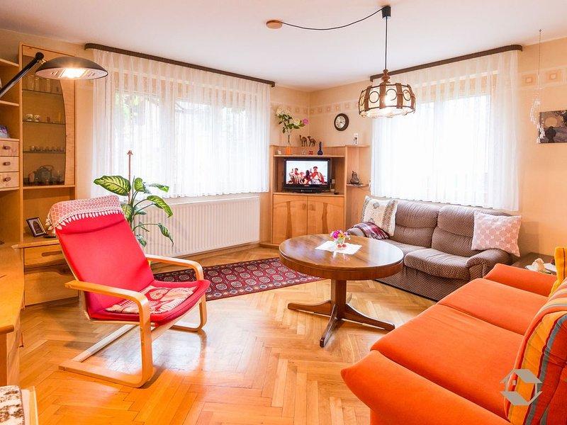 Ferienwohnung mit 75qm, EG, 2 Schlafräume, für maximal 5 Personen – semesterbostad i Neuweiler