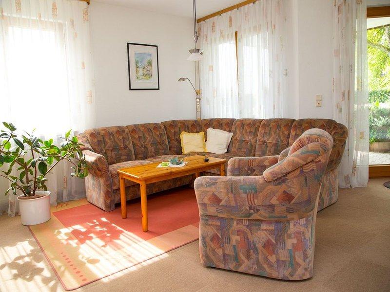 Ferienwohnung mit ca. 75qm, 1 Schlafzimmer, 1 Wohn-/Schlafzimmer, für maximal 5, vacation rental in Stockach