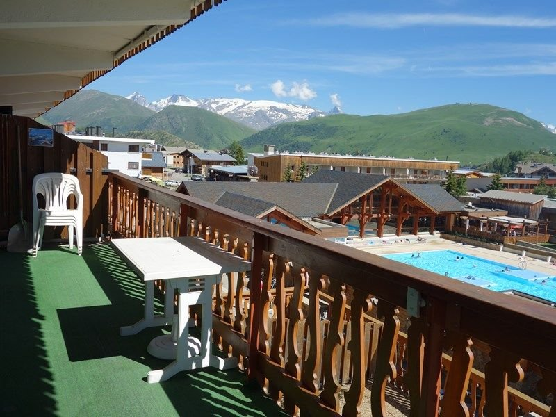 APPARTEMENT 3 PIECES ALPE D'HUEZ CENTRE STATION, vacation rental in La Garde