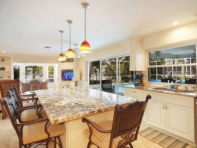 Spacious, Bright, Gorgeous Southwest View! Boating/ Fishing 82 stellar reviews, alquiler de vacaciones en Cape Coral