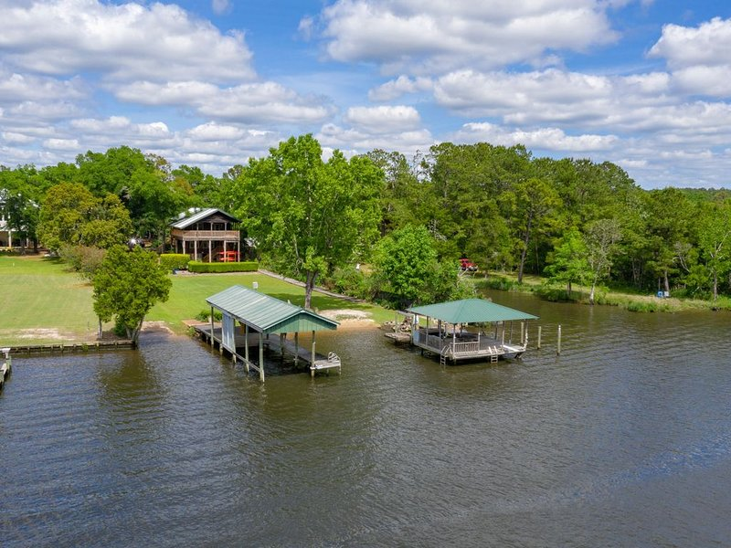 Charming Home on Fish River – Perfect for Families, vacation rental in Point Clear