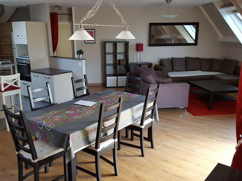 Grand appartement entre terre et mer, casa vacanza a Pleumeur Bodou