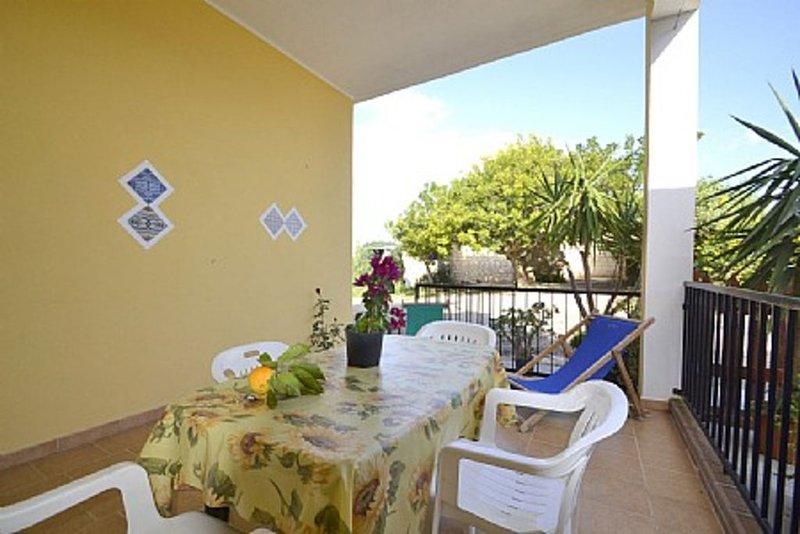 Casa Magenta, rimborso completo con voucher*: Un accogliente appartamento che co, vacation rental in Maragani