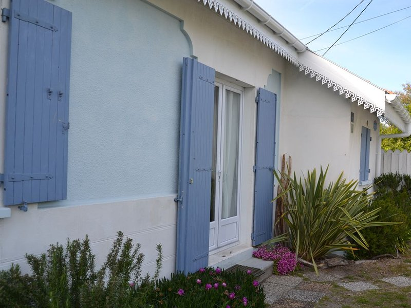 typical villa certified by the Office of Tourism Andernos les Bains, vacation rental in Gironde