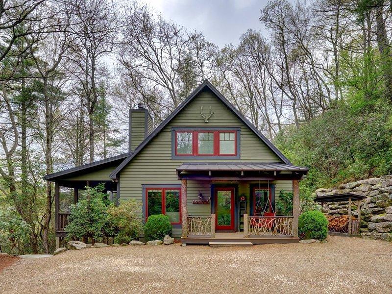 Camp Carlee - Private Retreat - 3 Minutes to Main Street!, alquiler de vacaciones en Highlands