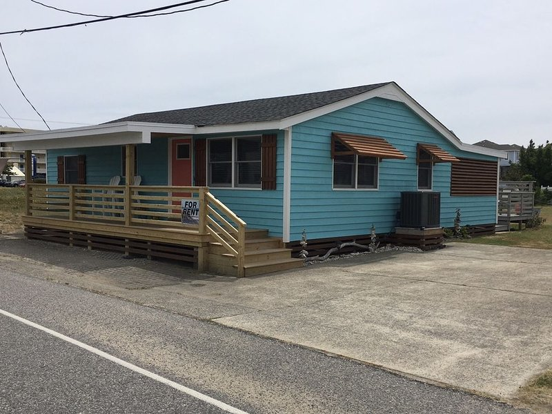 Bungalow charm at direct beach access. Won't disappoint!  Filling up for 2017 !, holiday rental in Kill Devil Hills