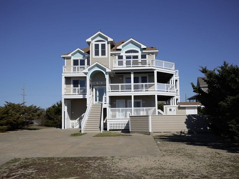 Foster Your Dreams in Rodanthe - Ocean & Sound Views, Pool, Hot Tub, Game Room, casa vacanza a Rodanthe