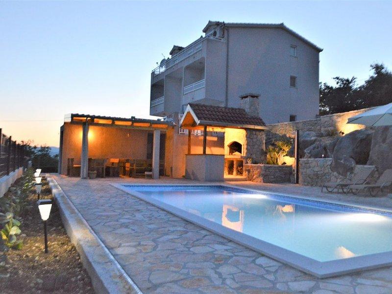 Deluxe Apartment Sea View, vacation rental in Kastel Kambelovac